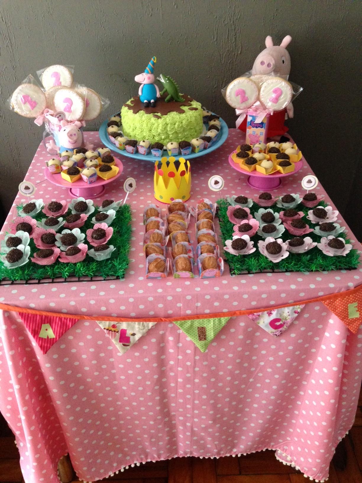 Festa em casa peppa pig for Mesa de peppa pig