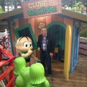 Ops, olha quem apareceu por lá enquanto meu filho brincava no Clube do Cebolinha!