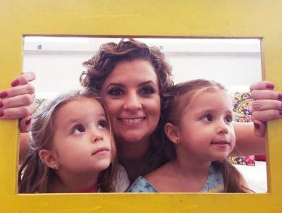 Micaela e as filhas