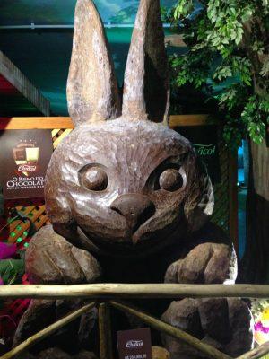 O maior coelho de chocolate do mundo, com mais de 1 tonelada!
