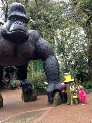 O Parque Terra Mágica é cheio de estátuas gigantes...as crianças ficam fascinadas!