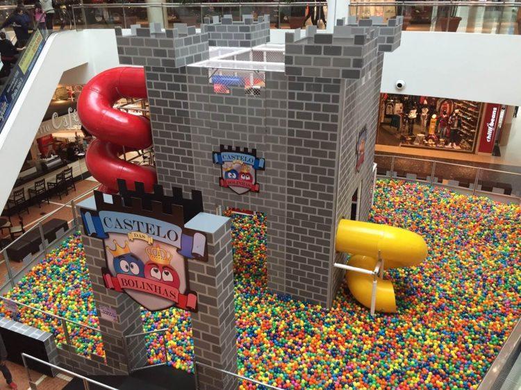 castelo das bolinhas West Plaza