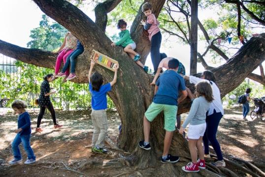 Sesacelerar as crianças do universo tecnológico e aproximá-las da natureza é uma das propostas do SlowKids / Foto: Luciana Borges