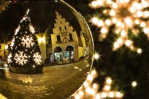 christmas-tree-xmas-crystal-ball-decoration-season