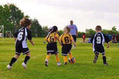 """""""Todas as crianças podem desenvolver habilidades nas mais diversas modalidades. Umas terão mais facilidade em uma ou outra atividade"""". Photo credit: xtalx via VisualHunt.com / CC BY-NC-SA"""