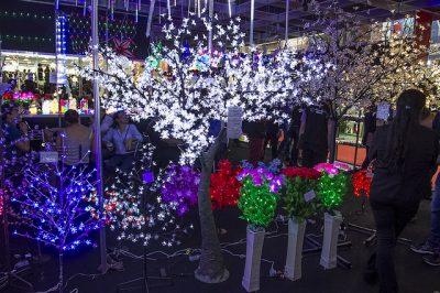 Árvores de LED expostas na Feira Natal Show 2017. Foto: divulgação Natal Show