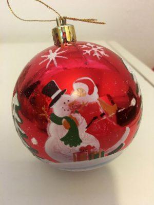 Detalhe da bola de Natal pintada